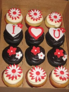 Valentines Day Cakes by Sweet as Cakes Valentine's Day cupcakes from